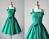 60s Dress - Vintage 1960s 1970s Dress - Kelly Green Navy Floral Full Skirt Sundress by Lanz XS S - Frog Pond Dress
