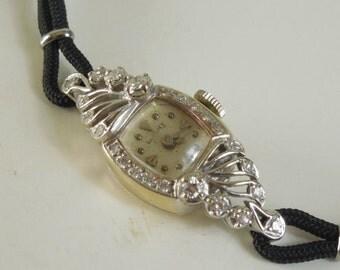 1940 1950 Vintage Longines 14K White Gold Diamonds 17 Jewels Ladies Watch