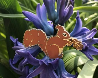 NEW!!! Cute Squirrel Pin With Acorn And Oak Leaf