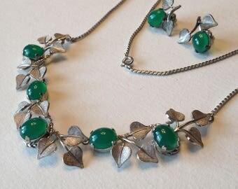 Van Dell Sterling Choker and Pierced Earrings Jade Green Cabochons