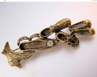 XMAS SALE Antique Shoe Boot Bar Pin Brooch Vintage Style Costume Jewelry Jewellery