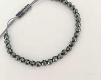 Hematite beaded friendship bracelet. Dainty hematite gemstone bad bracelet for everyday.