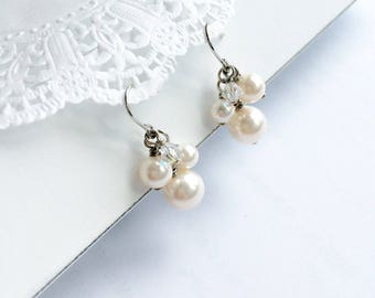 Petite and dainty pearl earrings. Bridal pearl earrings. Bridesmaids earrings