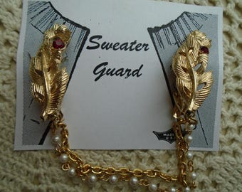 Sweater Clip  Sweater Guard Large  Gold Tone Detailed Leaves  Two ruby Colored Rhinestones Double Chains Faux Pearls
