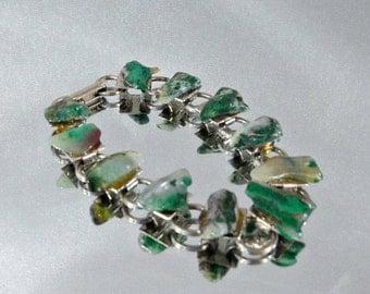 ON SALE Vintage Agate Bracelet.  Polished Green Agate.  Silver Links.