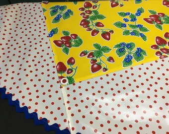 June in Ct. --Retro round oilcloth tablecloth with strawberries on yellow