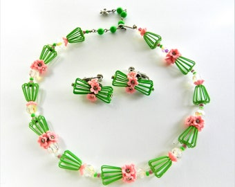 """VENDOME Rare """"Garden Party""""  Crystals/Rhinestones accented Pink Lucite Flowers and green enamel Necklace & Earrings set--art.814/4"""
