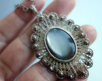 Silver Filigree Gray Mother of Pearl pendant Necklace