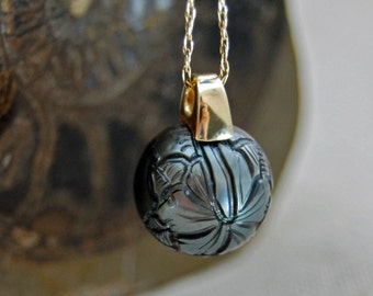 Hana - Hand-carved Tahitian pearl pendant, pendant necklace, gold pendant, jewelry, Tahitian pearl, for her, Tahitian pearl necklace, gift