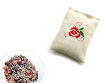 Sachet with embroidered red rose, organic lavender and rose buds, drawer freshener, bridesmaids favor, wedding favors, sachet gift under 10