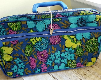 Vintage Mod Floral Carry-On Bag, Overnight Bag with Key