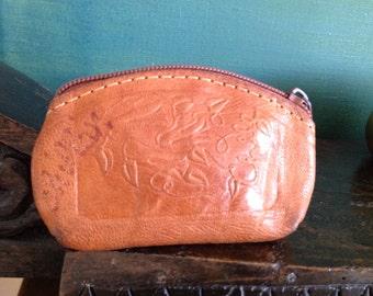 Vintage Wallet ~ rare finds ~ purse pouch ~ wedding ~ Brown LeatherZipper Coins wallet.European  Souvenir.