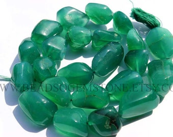Green Onyx Smooth Nuggets (Quality C) / 14 to 20 mm / 36 cm / GR-008