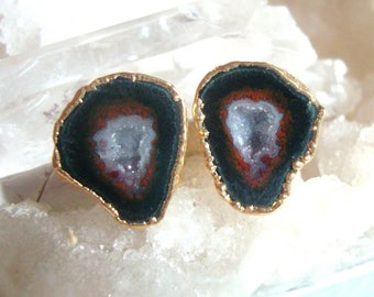 The sparkle cute red triangle, Geode Halves Gold Ear Stud, Natural Mexican Tobasco Agate Half Geode Earrings, M1