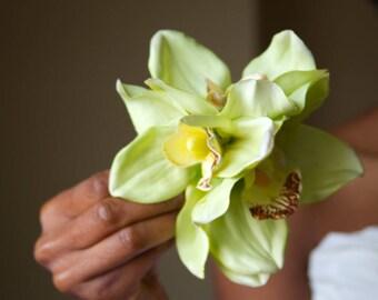 Green Orchid Hair Flower // Natural Looking Hair Accessories for Beach Weddings / Outdoor Weddings/ Southern Weddings / Summer Weddings