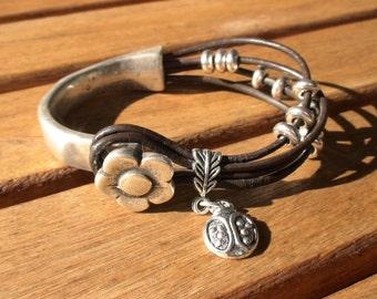 flower bracelet, ladybird bracelet, floral bracelet, silver flower bracelet, flower jewelry, flower bracelets, bracelet flower, jewelry