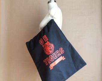 WEEKEND SALE! drawstring tote / sack / school logo / U E TIGERS / functional retro minimal
