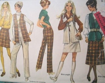 Simplicity 8955 vintage 1970's Mini Skirt High waist Pants and Long Vest Pattern -V Neck Vest Pattern -Mini or Midi Skirt Pattern - Size 16