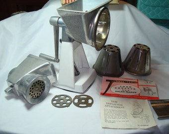 1950s DAZEY 473 W Combination Meat Grinder and Salad Maker in the Box.