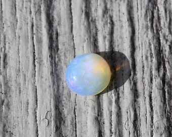 Welo opal cabochon, Ethiopian opal, round ring stone, natural designer cabochon, rainbow opal, ring size stone