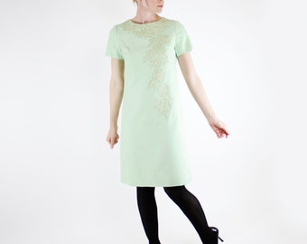 Vintage 60's short sleeved dress with lace inlay, pastel green, mint, Henry Lee brand - Small / Medium