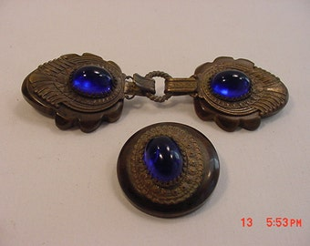 Bakelite Cloak Closure Hook And Matching Button    16 - 562