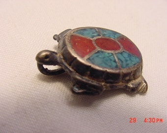 Vintage Turquoise & Red Coral Turtle Pendant   16 - 912