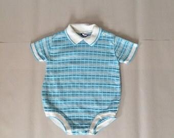 SALE...1980s baby onesie   knitted newborn
