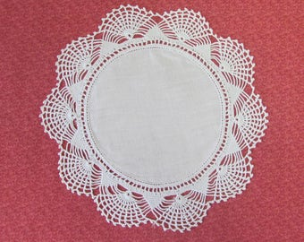 Vintage 8 Inch Hand Crochet White Cotton Hand Crafted Doily Fan Edge