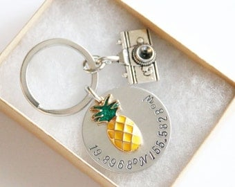 Coordinates Keychain Hawaii Keychain, Travel Gift, Anniversary Gift, Latitude and Longitude Keychain, Hawaii Keychain, Coordinates Wedding