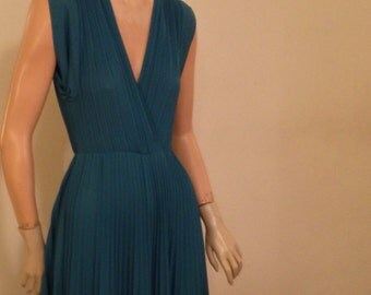 Teal Pleated Sleeveless Dress by Jody of California Small