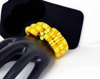Beaded Memory Wire Bracelet - Retro MOD Yellow & Orange Beads - 1960's 1970's - Lucite or Plastic Beads - Faceted Bead Wrap style Bracelet,