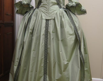 Colonial Silk Taffeta Round Gown size 18