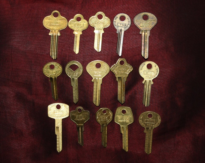 Lot of 15 Vintage NOS 1950s & 60s Uncut Brass Keys; Curtis Industries  Cleveland OH; Old Key Blanks; upcycle, reuse, crafts, jewelry