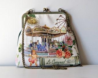 Carrousel Printed UP-Leather Frame Bag. Green Bag