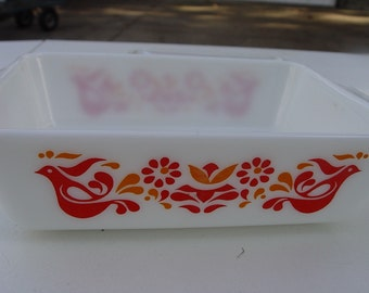 Vintage Pyrex Friendship Pattern Refrigerator Dish with Ribbed Lid