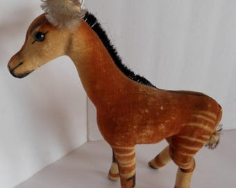 Steiff okapi button made in Germany 2045