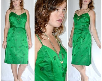 Vintage 1960s Emerald Green Silk Satin Jacquard Asian Motif Cocktail Party Wiggle Dress 30 Inch Waist
