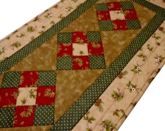 Country Quilted Table Runner in Earth Tones, Winter Quilted Table Topper, Christmas Quilted Table Runner, Pine Cones, Woodland Runner