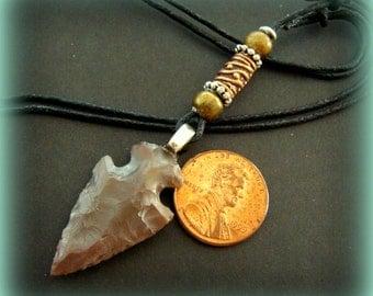 Hand Knapped ARROWHEAD PENDANT Necklace with Beadwork Reproduction Arrowhead