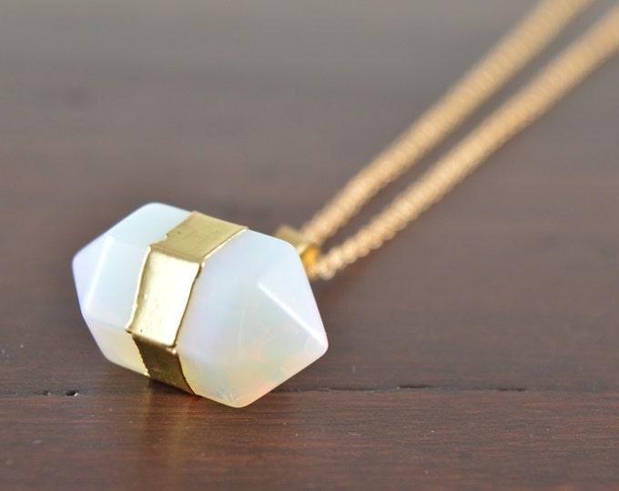 Opal Necklace, Opalite Necklace, Crystal Choker, Crystal Point Necklace, Quartz Crystal, Crystal Pendant Necklace, Opalite, Druzy