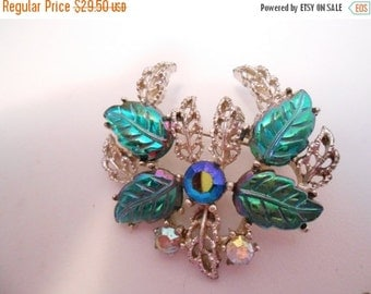 ON SALE Vintage brooch, Art glass and AB crystal floral brooch, 1950s retro brooch, vintage jewelry