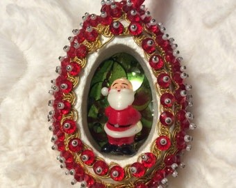 Vintage Sequin Ornament Santa Christmas Kitsch Red