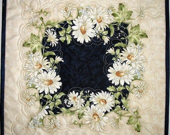 Floral Table Topper, Daisy, Summer, feather quilting, fabric from Maywood, handmade, quilted table runner