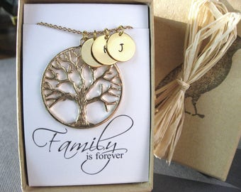 Personlized Family Tree Pendant, Gold Initial Disc Necklace, Mothers Necklace, Grandmother Gift, Families are Forever