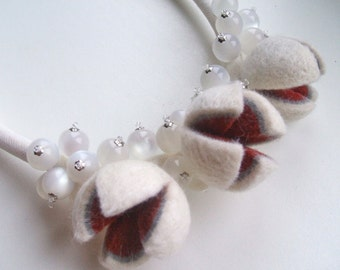 Felt necklace with beads  Winter - Felted necklace - White felt necklace - Handmade  necklace - OOAK Wool necklace