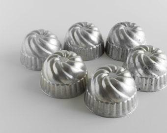 Metal Small Cake Pastry Mold  Cottage Decor Shabby Decor Bead Sorter Lot of 6 Baking Bakeware