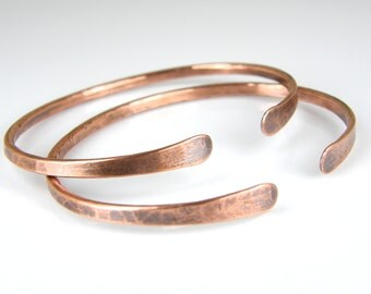 Hammered Copper Wire Bracelet, BOHO Stacking Copper Bangle, Womens Rustic Antiqued Copper Bracelet, 10 Gauge