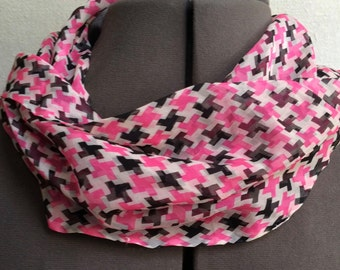Vintage 1950s Echo Silk Chiffon Infinity Scarf Pink Black Houndstooth -OS