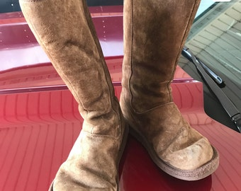 Vintage UGG Shoes size 7